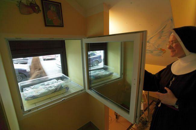 Noworodek znaleziony w oknie życia