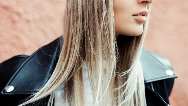 Laminowanie włosów galaretką w domu. Prosty i szybki przepis krok po kroku. To hit wśród kobiet