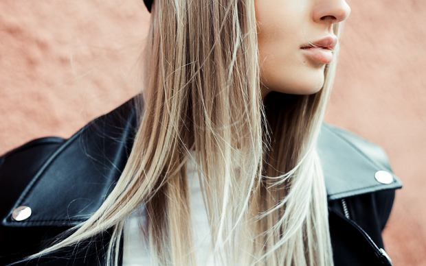 Blond włosy, niebieskie oczy, serwisy randkowe