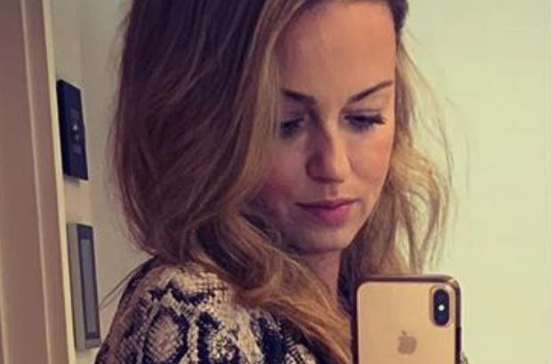 Ola Jordan dodała na Instagramie zdjęcie, na którym eksponuje ciążowe krągłości. Ciąża jej służy, a internauci zostawili wiele komplementów pod jej adresem.