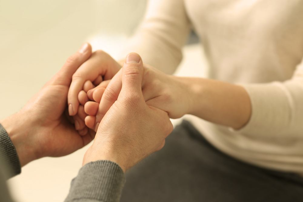 Dotyk to przede wszystkim emocje i przyjemność. Sprawia, że czujemy się bezpiecznie, pozwala także wyrazić to, jak ktoś jest dla nas ważny