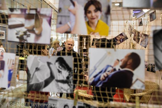 Zdjęcie numer 20 w galerii - Wizażyści, cukiernicy, pokazy mody i konkursy. Pierwszy dzień targów ślubnych Ona & On [ZDJĘCIA]