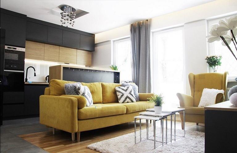 Sofa musztardowa