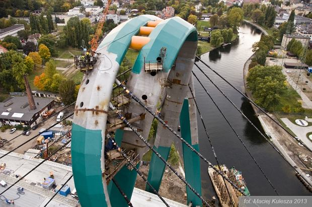 Zdjęcie numer 0 w galerii - Trasa Uniwersytecka i most z pylonem mają już pięć lat. Pamiętasz jak powstawały?