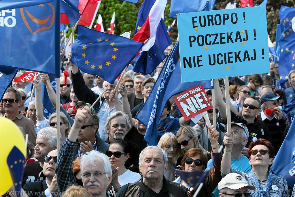 Marsz KOD 'Jesteśmy i będziemy w Europie'