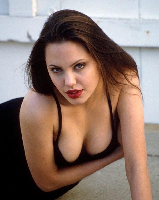 Mandatory Credit: Photo by ARALDO DI CROLLALANZA / Rex Features (227306b)    ANGELINA JOLIE - 1994