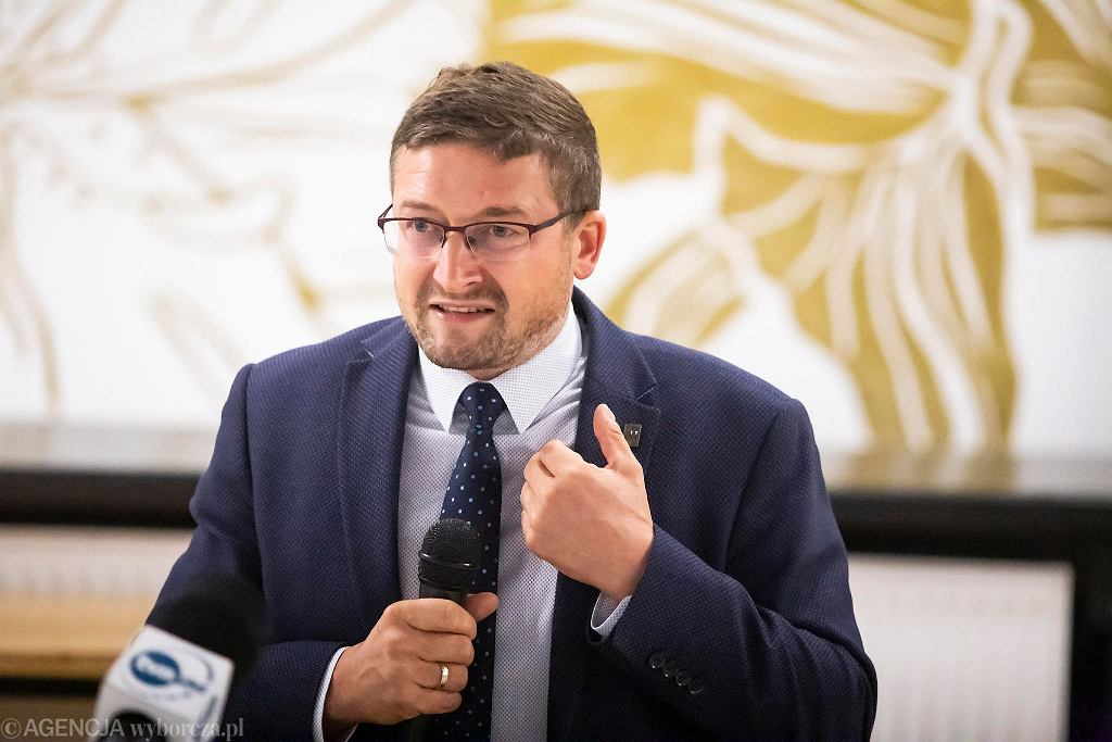 Sędzia Paweł Juszczyszyn podczas spotkania w Białymstoku