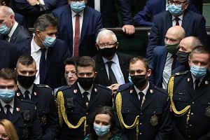 Awantura w Sejmie. Oto, co mówił otoczony Jarosław Kaczyński