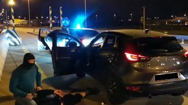 Kradł auta na terenie Niemiec, sprzedawał je w Polsce. To czynny żołnierz