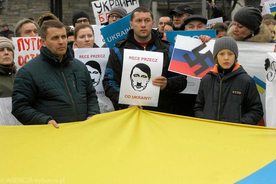 Niedzielna manifestacja przed ambasadą Rosji