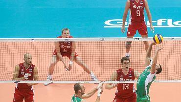 Mecz siatkarzy Rosji i Bułgarii zakończył gdański etap mistrzostw świata w siatkówce mężczyzn. Niedziela była ostatnim dniem rozgrywania meczów grupy C. Przy komplecie 10 700 widzów Rosjanie po emocjonującym spotkaniu wygrali z Bułgarią 3:2 i z kompletem zwycięstw awansowali do dalszej fazy z pierwszego miejsca. W pozostałych meczach Meksyk pokonał Egipt 3:2, a Kanada Chiny 3:0 i to właśnie drużyna z Azji w kolejnej fazie rozgrywek zagra z zerowym dorobkiem (przegrali z pozostałymi zespołami, które wywalczyły awans - Rosja, Bułgaria, Kanada). Zobacz zdjęcia z meczu Rosja - Bułgaria.