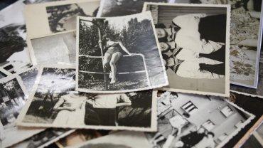 Stare zdjęcia z rodzinnego albumu Sylwii Bedeker, która w 1945 roku przyjechała do Brochowa