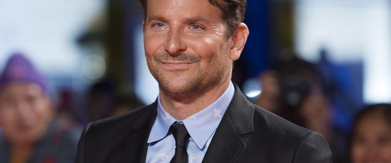 """Bradley Cooper flirtował z nową dziewczyną Bonda. """"Wydawał się zachwycony Aną"""""""