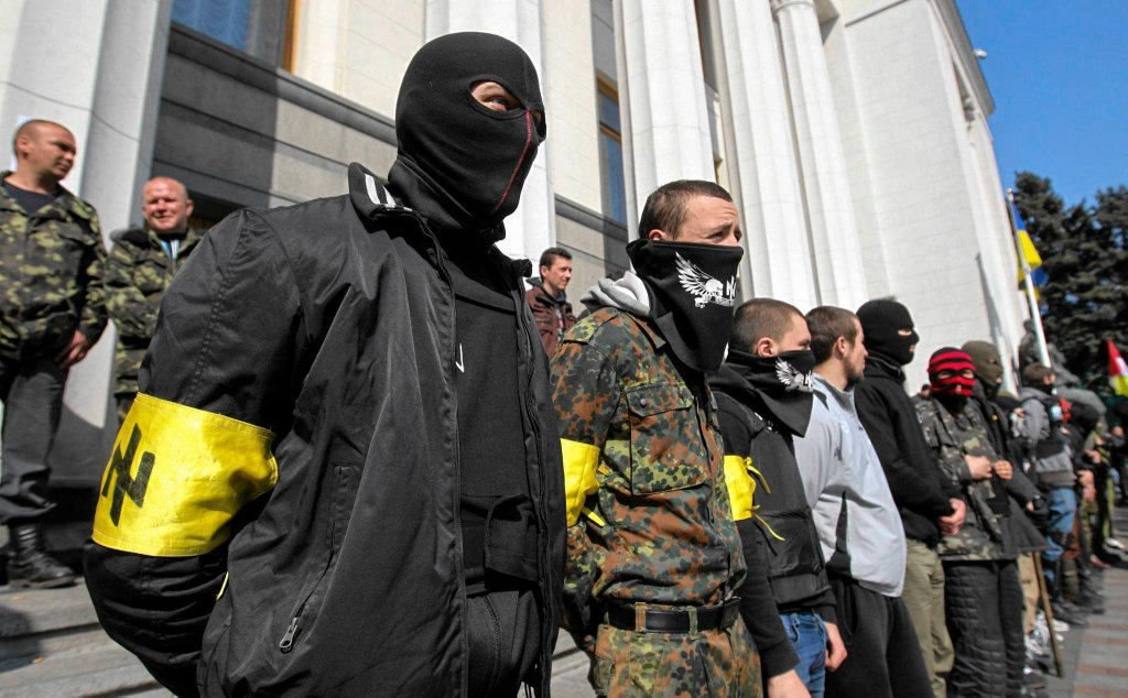 Członkowie ukraińskiego skrajnie nacjonalistycznego Prawego Sektora