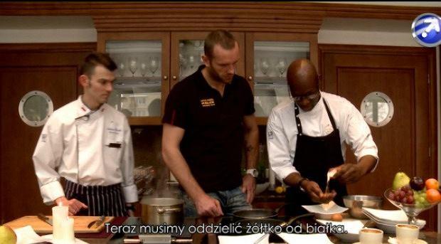 Grzegorz Tkaczyk w kuchni