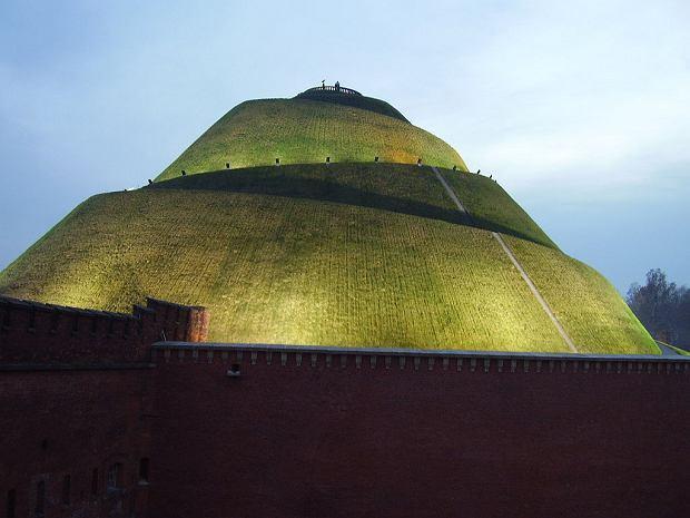 Kopiec Kościuszki to jedno z najchętniej odwiedzanych miejsc w Krakowie i okolicach