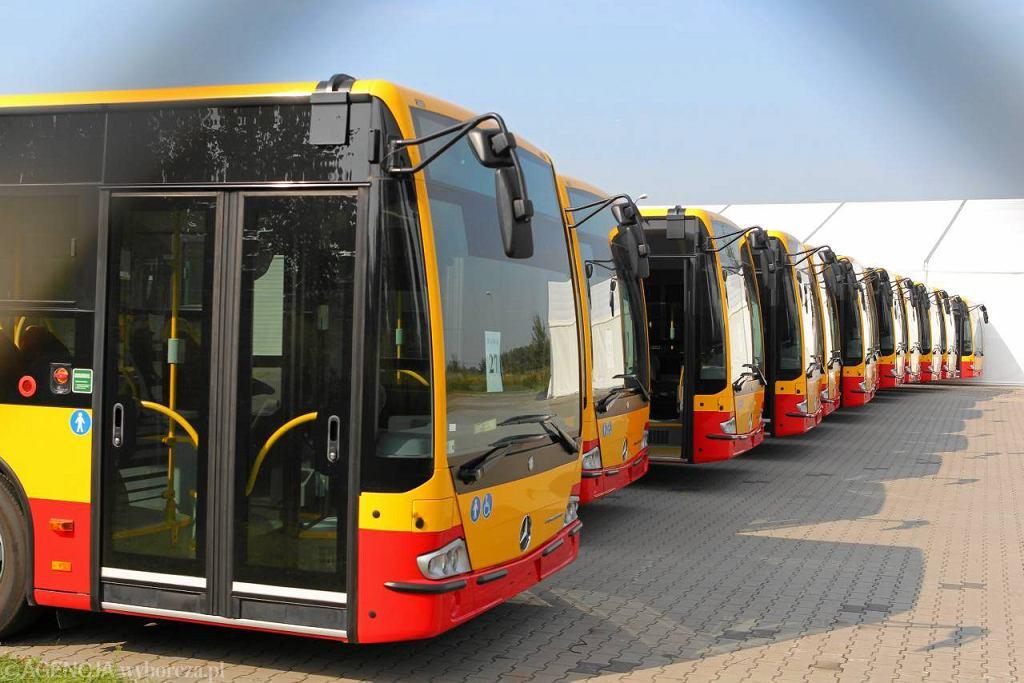 Warszawski autobus Mercedes Conecto