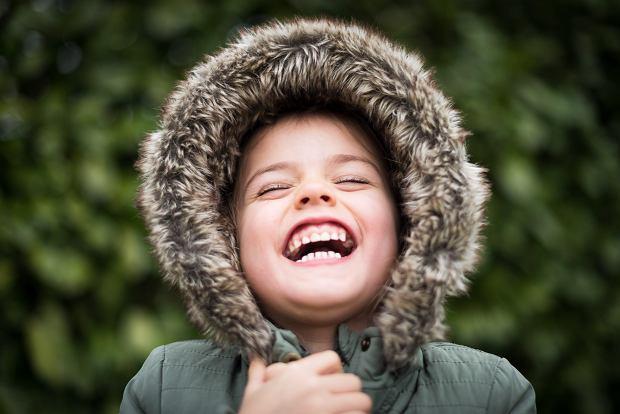 Zęby mleczne - jak dbać i od kiedy leczyć mleczaki? [Fluoryzacja, lapisowanie, lakowanie]
