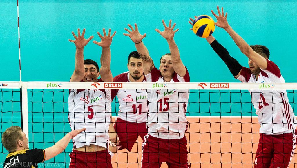 Jakub Kochanowski (w środku) znalazł się na celowniku Asseco Resovii Rzeszów