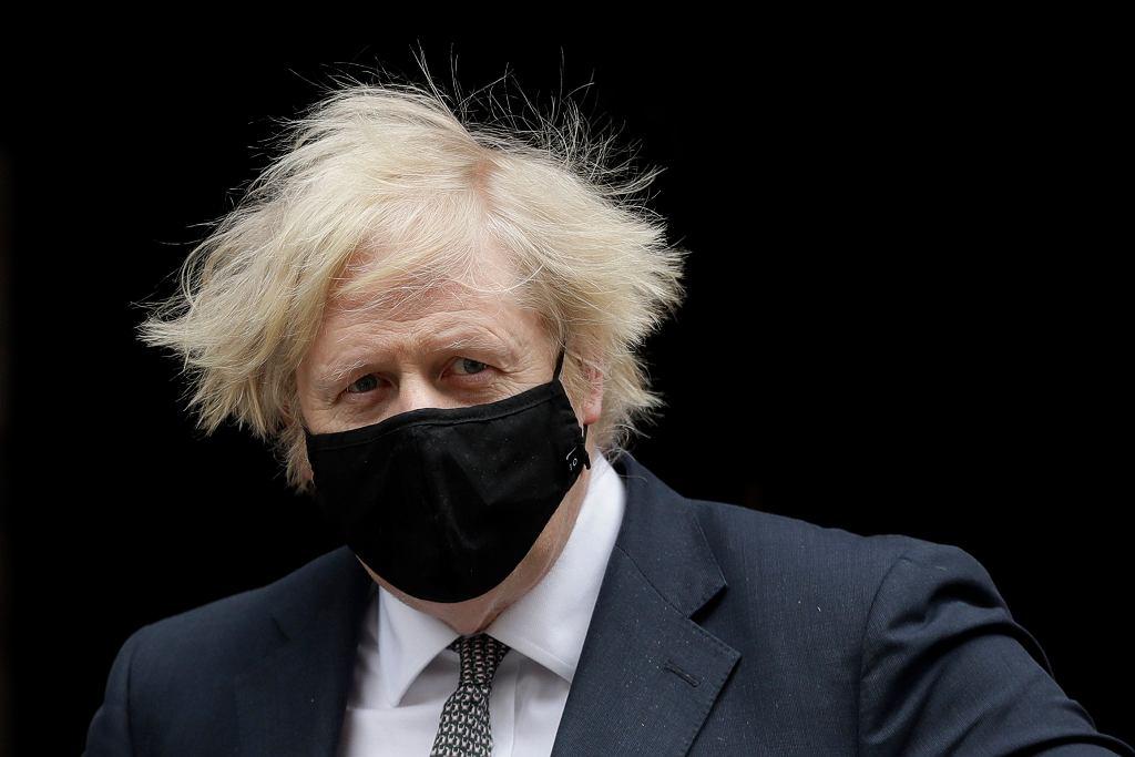 Wielka Brytania myśli o luzowaniu obostrzeń. Boris Johnson wreszcie pójdzie do fryzjera