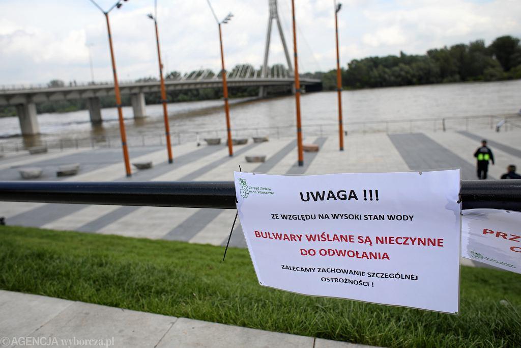 Wysoki poziom wody na Wiśle w Warszawie (28 maja)