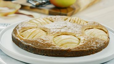 Placek z jabłkami - idealny deser po wakacyjnym obiedzie