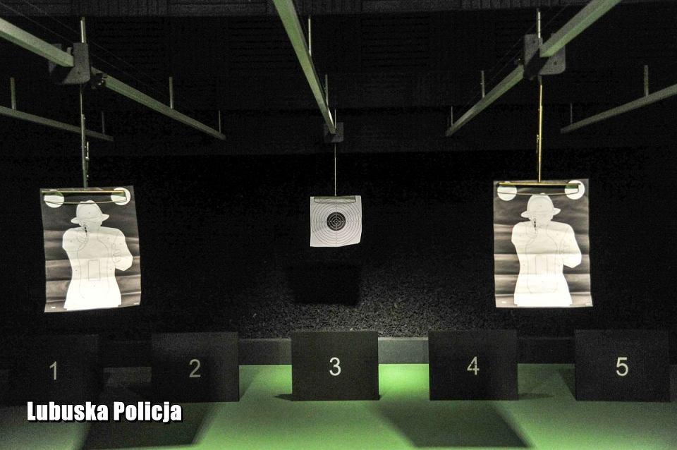Nowe obiekty w kompleksie Komendy Wojewódzkiej Policji w Gorzowie: biura, strzelnica, zaplecze techniczne i garażowe.