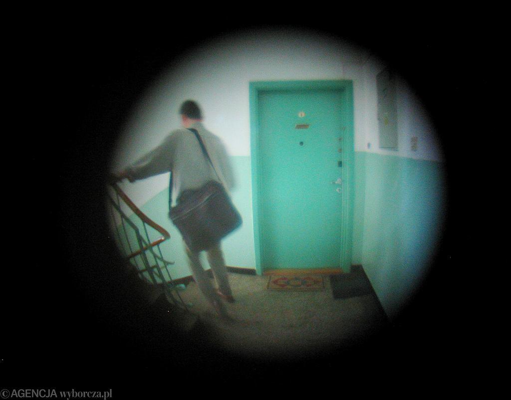Rachmistrz będzie przeprowadzał ankiety osobiście w mieszkaniach lub telefonicznie.