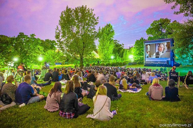 Warszawa to Filmowa Stolica Lata. Ponad 300 filmów, w 33 miejscach na mapie miasta