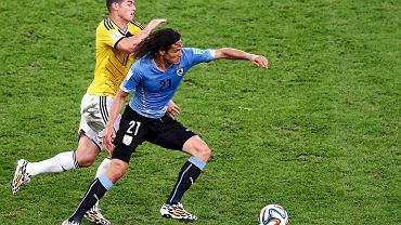 Edinson Cavani walczy z Jamesem Rodriguezem