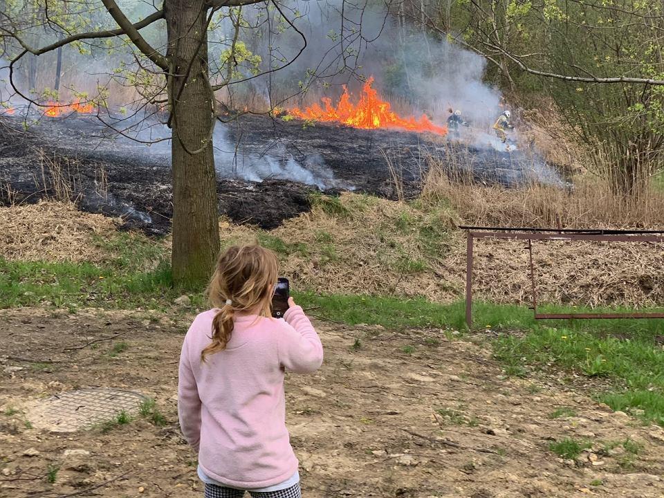 Pożar trwa przy ul. Długosza w Sosnowcu