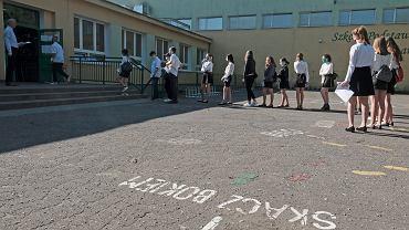 Egzamin ósmoklasisty 2020 z języka polskiego. Zdjęcie ilustracyjne
