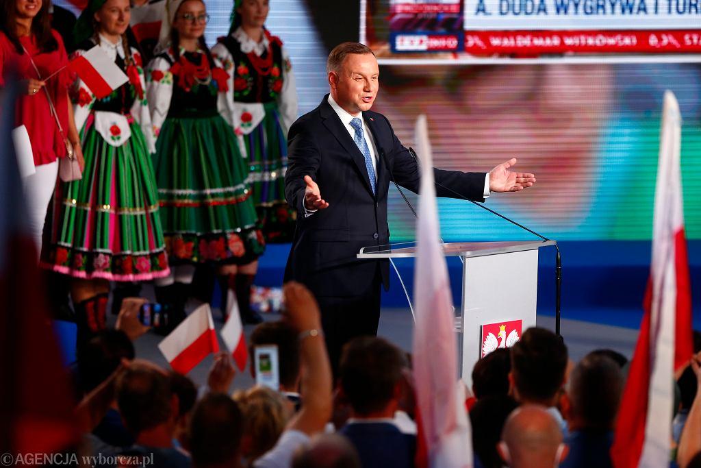 (Wieczor Wyborczy Andrzeja Dudy w Lowiczu