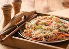Sałatka z makaronu ryżowego - dwa smaczne pomysły