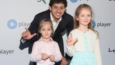"""Guilherme i siedmioletnia Ela (z prawej) na premierze """"(L)egendy"""""""