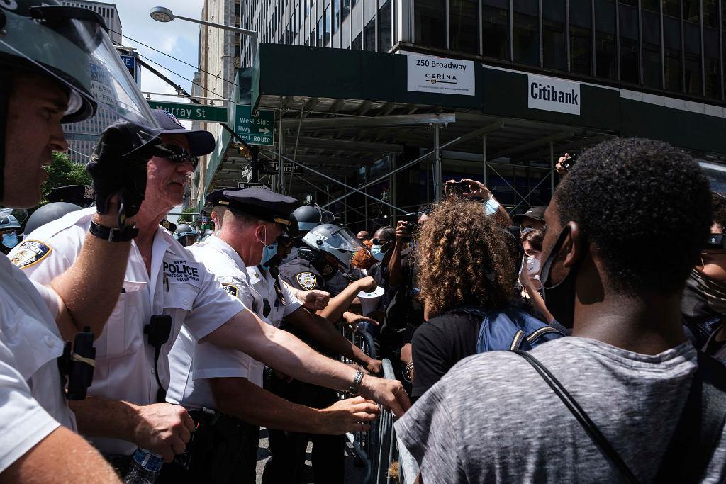 Nowy Jork, konfrontacje manifestujących z policją.
