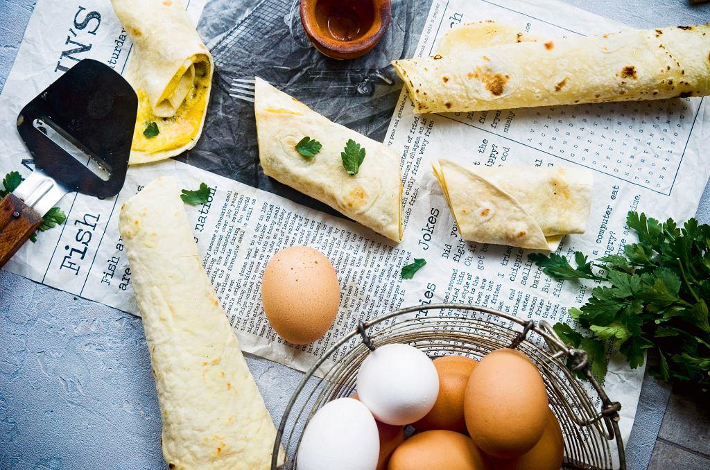 Burrito z omletem, natką i startym serem