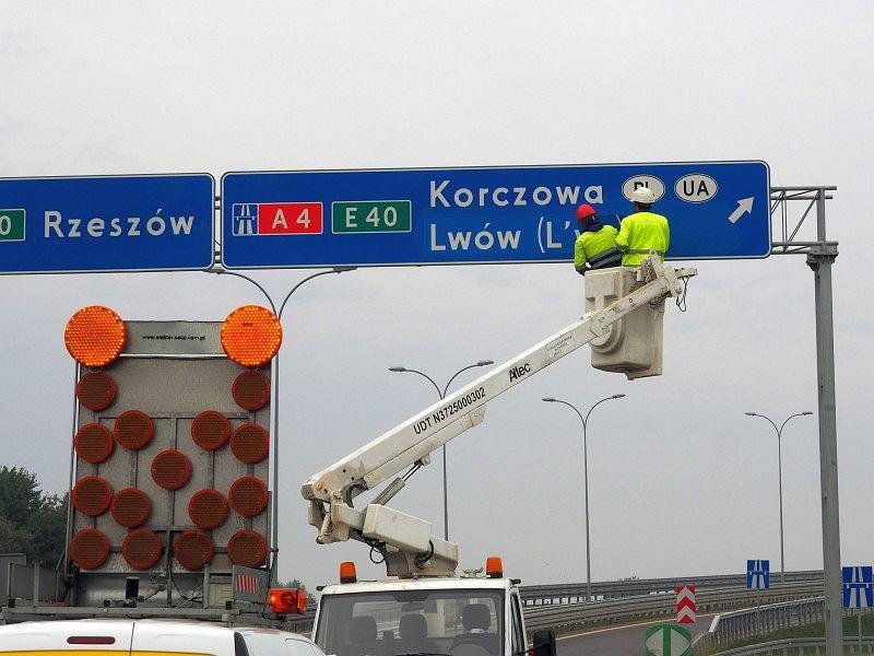 Nowe znaki drogowe, polskie nazwy zagranicznych miast