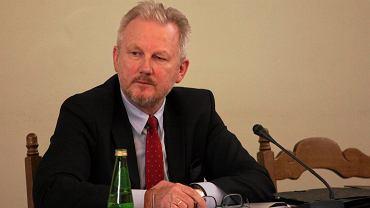 Były wiceszef KNF Wojciech Kwaśniak podczas posiedzenia Sejmowej Komisji Śledczej ds. zbadania afery Amber Gold. Warszawa, 8 lutego 2017
