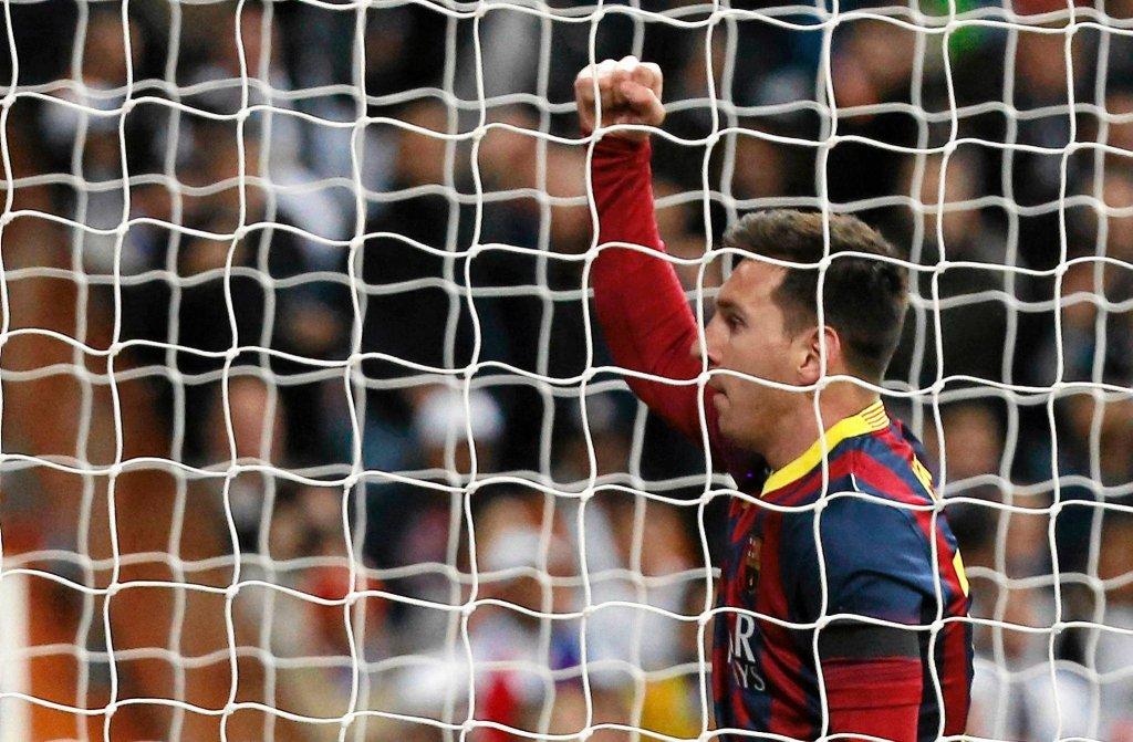 Po meczu z Realem Argentyńczyk ma na koncie już 21 trafień. Prowadzący w tabeli strzelców Ronaldo w tym sezonie strzelił 26 bramek.