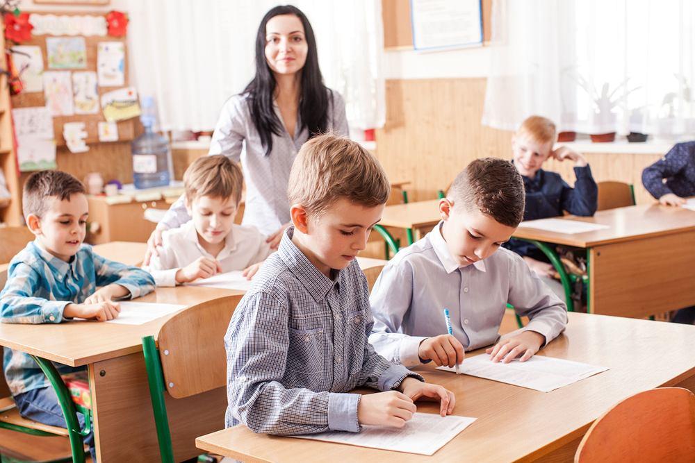 Wydatki na edukację wzrosły. Średnia w tym roku to ponad tysiąc sto złotych