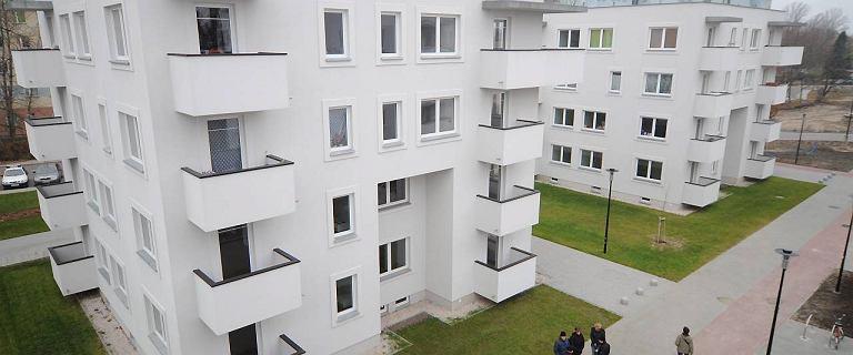 ''Przeludnienie w 40 proc. lokali''. W Polsce brakuje aż 2,5 miliona mieszkań