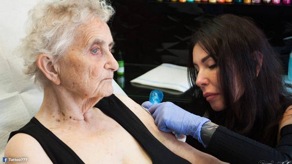 83-latka zrobiła sobie tatuaż.