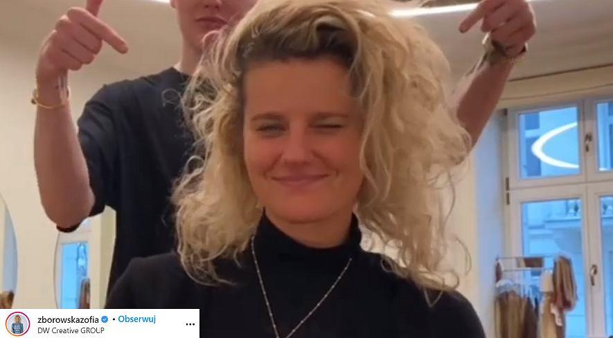 Zofia Zborowska nowa fryzura. Aktorka przeszła spektakularną metamorfozę i nie jest już blondynką (zdjęcie ilustracyjne)