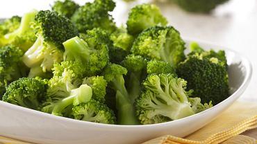 Zielone brokuły to przepyszne warzywo, które ma wiele uniwersalnych zastosowań.