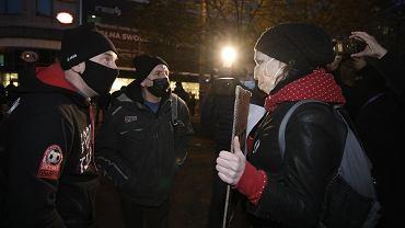 Fundacja Pro-Prawo do Życia zorganizowała pikietę antyaborcyjną na ul. Półwiejskiej w Poznaniu. Wyszła im naprzeciw kontrmanifestacja