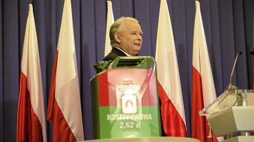 Jarosław Kaczyński na konferencji z 2011 roku