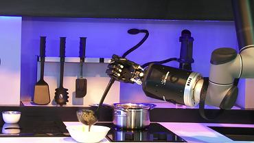 Moley - robot, a właściwie ręce, które przyrządzą nam posiłek od A do Z. Cena wraz z niezbędnymi meblami kuchennymi - 100 tys. dolarów