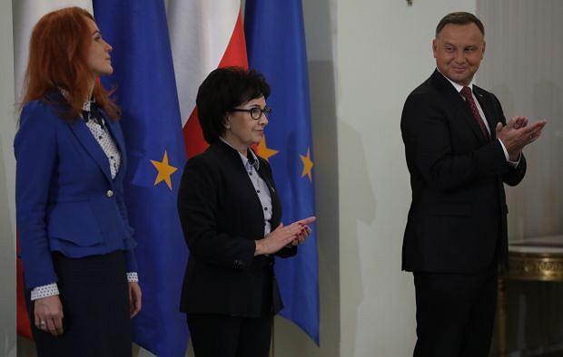 Szefowa Kancelarii Sejmu Agnieszka Kaczmarska, marszałek Sejmu Elżbieta Witek i prezydent Andrzej Duda