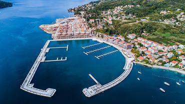 Nowy, luksusowy kierunek nad Morzem Adriatyckim. W dawnej bazie militarnej powstaje ekskluzywny ośrodek Portonovi